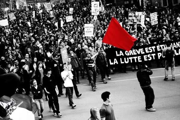 crowd-red-flag
