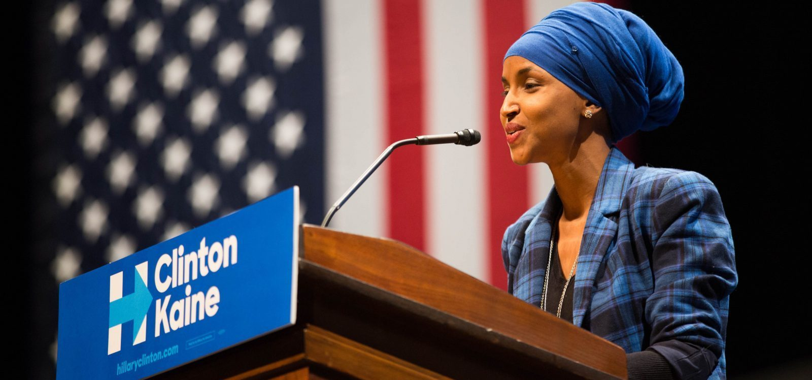 Ilhan Omar campaigns for Clinton & Kaine